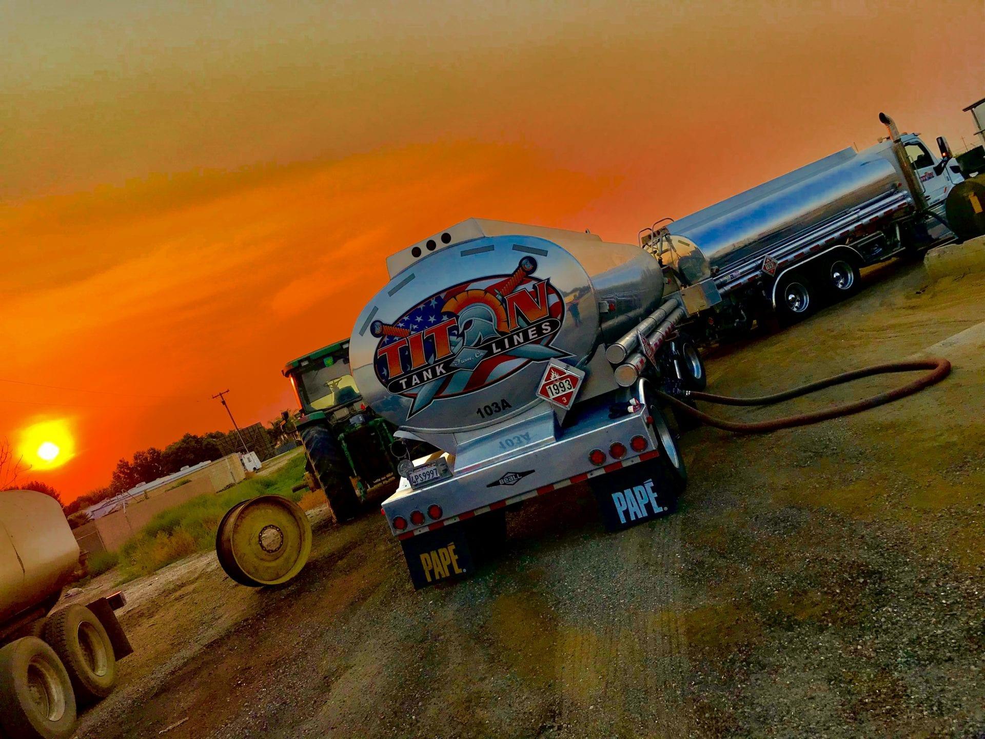 2b25df28-3f99-4373-bc6a-986986fec82cTitan Truck 7